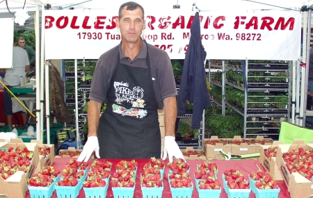Bolles Organic Farm's berries are back at the Market. Photo copyright 2009 by Zachary D. Lyons.