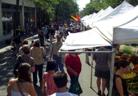 A beautiful, and busy, day at Ballard Farmers Market on July 26th. Photo copyright 2009 by Zachary D. Lyons.