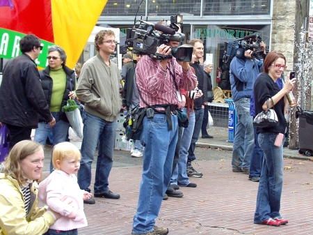 Many cameras filled the Market on October 18th. Photo copyright 2009 by Zachary D. Lyons.