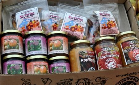 The sampler gift box from Tiny's Organic Produce. Photo copyright 2013 by Zachary D. Lyons.