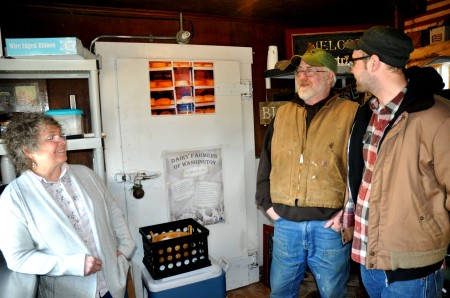 Sharon (left) & Gary McCool of Rosecrest Farm chatting with our own Gil Youenes in their on-farm shop. Photo copyright 2013 by Zachary D. Lyons.