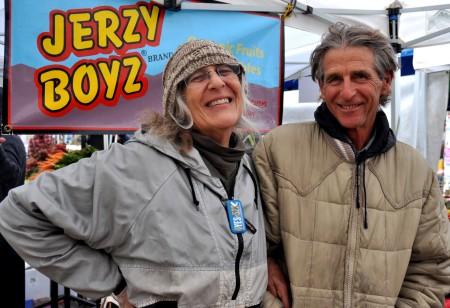 Wynne Weinreb and Scott Beaton of Jerzy Boyz Farm support I-522. Photo copyright 2013 by Zachary D. Lyons.