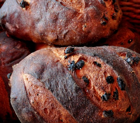 Raisin pumpernickel bread from Sonhomish Bakery. Copyright Zachary D. Lyons.