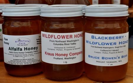 Washington honey from Brookfield Farms at Ballard Farmers Market. Copyright Zachary D. Lyons.